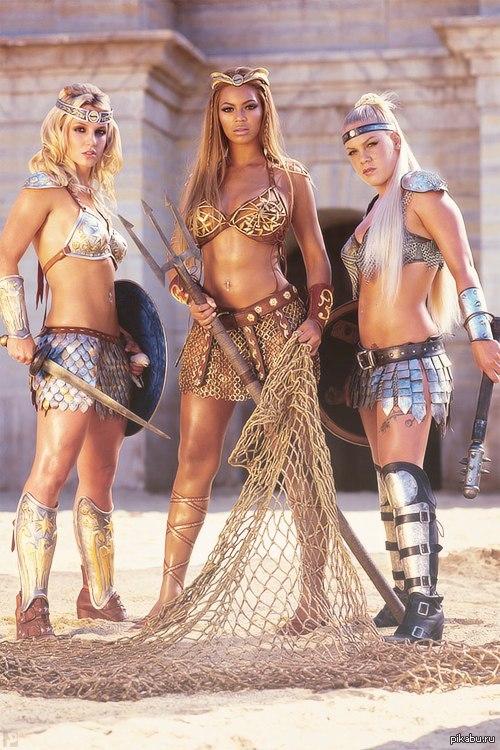 Britney Spears, Beyonce и Pink в необычных образах Из рекламы Pepsi